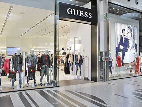 Guess 59 Centro Commerciale Carosello